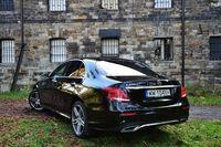 Mercedes-Benz E 220 d - z tyłu