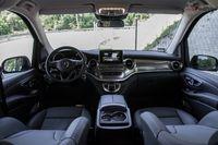 Mercedes-Benz V220d 4Matic - deska rozdzielcza