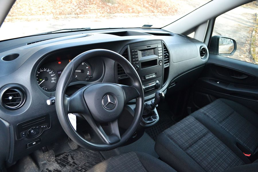Mercedes Benz Vito Furgon 111 Cdi Wnętrze