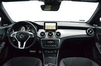Mercedes CLA 250 Sport 4MATIC - wnętrze