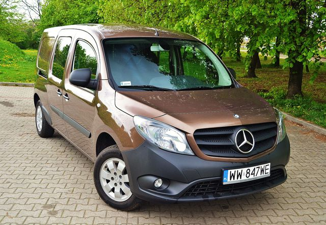mercedes citan mixto 111 cdi kombivan dla firmy i rodziny testy aut. Black Bedroom Furniture Sets. Home Design Ideas