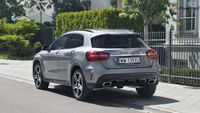 Mercedes GLA 220 4Matic - tył