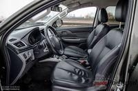 Mitsubishi L200 Premiere Edition - fotele