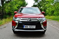 Mitsubishi Outlander 2.0 4WD CVT Calligraphy - przód