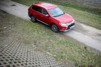 Mitsubishi Outlander 2.2 DID 6AT - spokój na kołach