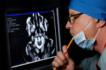 Kolejki do lekarzy coraz dłuższe, zaczyna brakować specjalistów. NIK krytykuje NFZ