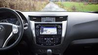 Nissan Navara NP300 2.3 dCI - kokpit