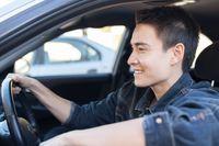 Za wypadki drogowe odpowiadają głównie młodzi kierowcy