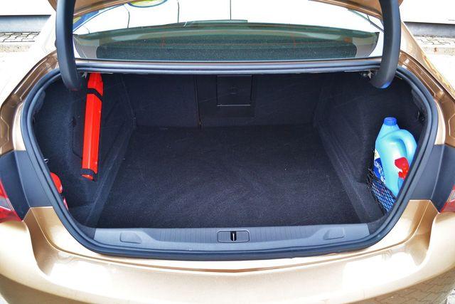Opel Astra Sedan 1 7 Cdti Bagażnik
