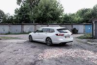 Opel Insignia Sport Tourer - z tyłu
