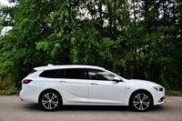 Opel Insignia Sports Tourer - prawy bok