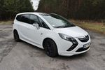Opel Zafira Tourer 2.0 CDTI AT6 Cosmo ma sporo do zaoferowania