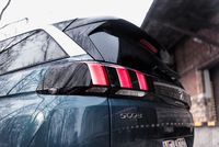 Peugeot 5008 2.0 THP 150 KM - światło