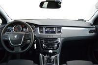 Peugeot 508 1.6 e-THP S&S Active - wnętrze