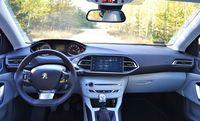 Peugeot 308 1.6 THP Allure - deska