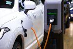 1 mln aut elektrycznych to na razie utopia
