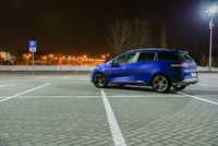 Renault Clio Grandtour - z tyłu i boku