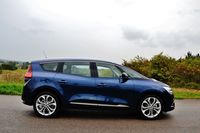 Renault Grand Scenic dCi 110 Hybrid Assist - bok