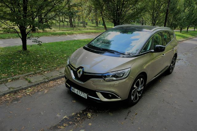 Renault Grand Scenic 1,3 tCe - wielki tylko ciałem