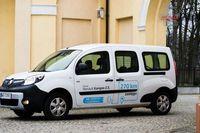 Renault Kangoo ZE Maxi Combi - biały kruk