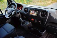 Renault Master Energy dCi Igloocar - deska rozdzielcza