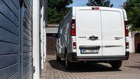 Renault Trafic furgon - tył