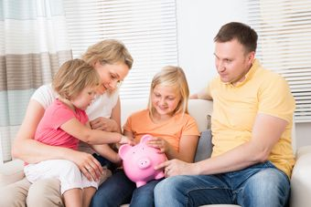 Dostaniesz 500 zł na dziecko? Możesz zbudować kapitał na jego przyszłość