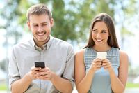 Wiadomości tekstowe SMS. Skąd ich niesłabnąca popularność?