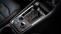 Seat Ateca Fr 2.0 TSI 190 KM 4Drive - dźwignia biegów