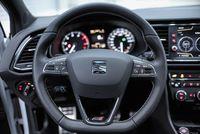 Seat Leon Cupra 300 KM - kierownica, fot.2