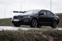 Skoda Octavia RS wyróżnia się na drodze