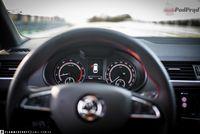 Skoda Octavia Combi RS 245 - kierownica, zegary