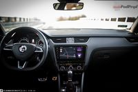 Skoda Octavia Combi RS 245 - wnętrze