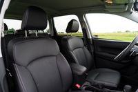 Subaru Forester 2.0 XT - fotele