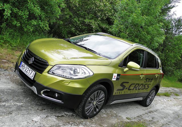 suzuki sx4 s cross 1 6 vvt allgrip premium dla aktywnych testy aut. Black Bedroom Furniture Sets. Home Design Ideas