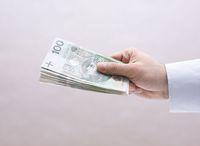 Płatność gotówką: przy usługach ciągłych ważny okres rozliczeniowy