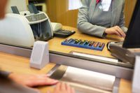 Czy płacąc w banku pozbawiamy się kosztów uzyskania przychodu?