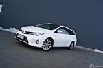 Ekologiczna Toyota Auris Hybrid Touring Sports
