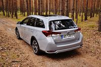 Toyota Auris Touring Sports 1.8 Hybrid Freestyle - z tyłu