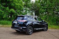 Toyota RAV4 Hybrid Prestige - z tyłu