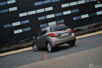 Toyota Yaris 1.33 Prestige - z tyłu