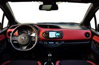 Toyota Yaris 1.5 Dual VVT-iE Selection - wnętrze