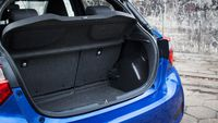 Toyota Yaris Hybrid Selection - bagażnik