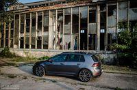 Volkswagen Golf R 310 4Motion - z boku