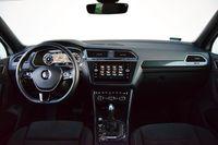 Volkswagen Tiguan 2.0 TDI DSG 4MOTION Highline - deska rozdzielcza