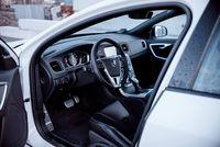 Volvo S60 Polestar - drzwi, wnętrze