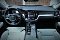 Volvo V60 D4 - deska rozdzielcza