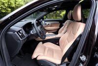 Volvo V90 Cross Country - przednie fotele