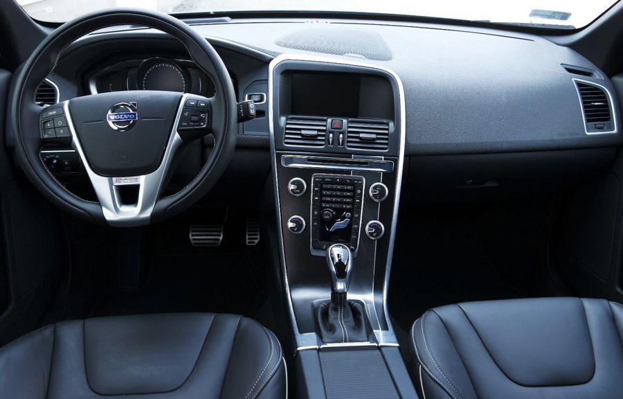 Volvo Xc60 D4 R Design Wnętrze