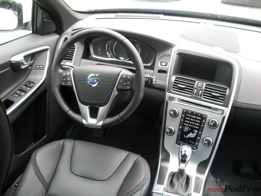 Volvo Xc60 D4 Awd Wnętrze